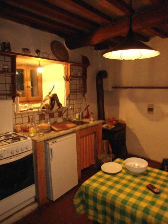 Novole: La cucina! Rustica, e fa taanto casa! :)