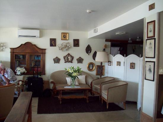 Pensione La Calcina: Lovely Lobby area