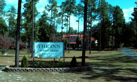 The Inn at Eagle Springs: Inn from the Road