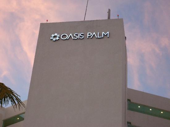 Oasis Palm: fachada