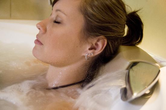 Daylesford Day Spa: Relax in your private spa