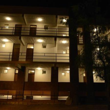 Panoramic View Hotel: In front side during the night