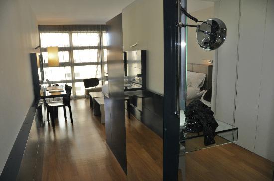 Hotel Reina Petronila: habitación