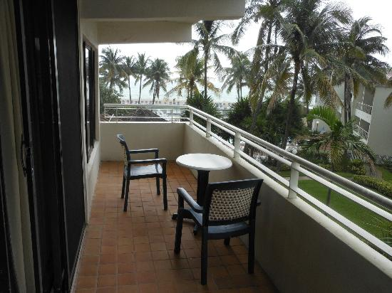 Golden Strand Ocean Villa Resort: Balcony