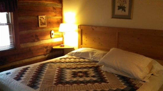 Cabins in the Pines: Master Bedroom