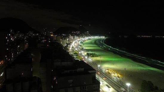 Pestana Rio Atlantica Hotel: Vista noturna, a partir da cobertura