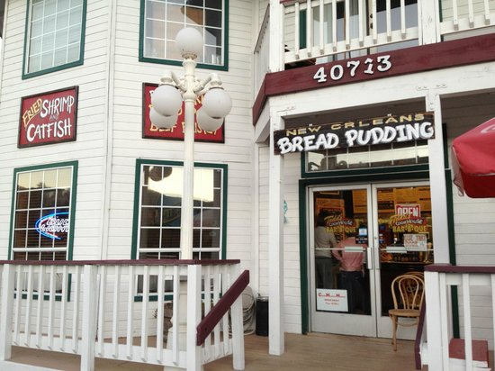 Alice's Cookhouse: Their bread pudding is to die for.