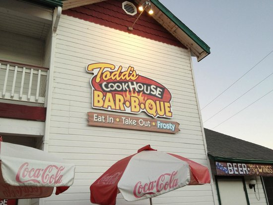 Alice's Cookhouse: They know how to do BBQ!