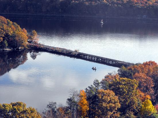 Mohegan Sun : Fishing on a beautiful fall day