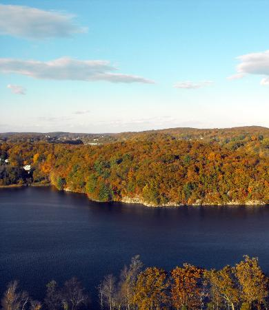 Mohegan Sun : Beautiful Fall Day