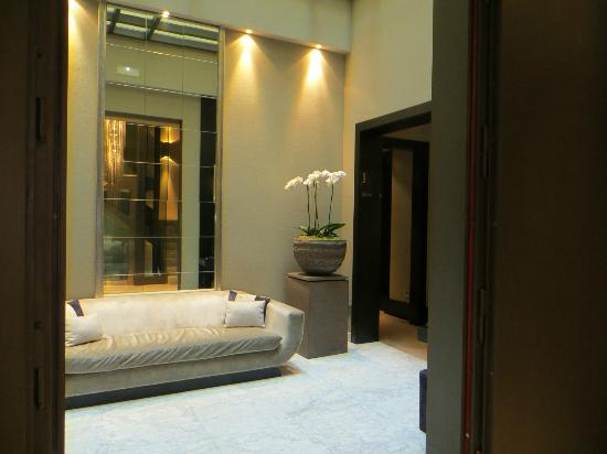 Hotel Murmuri Barcelona: 3 floor lobby