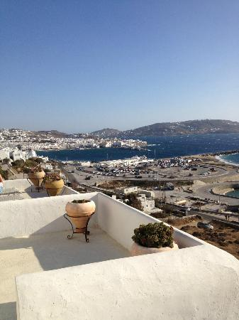 Omiros Hotel: Overlooking the town of Mykonos
