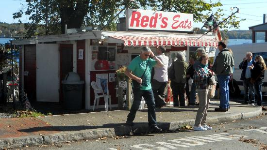 RED'S EATS - Wiscasset Maine - BEST LOBSTER ROLLs
