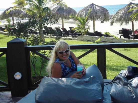 Secrets Wild Orchid Montego Bay: Happy Hour - Jamaica style