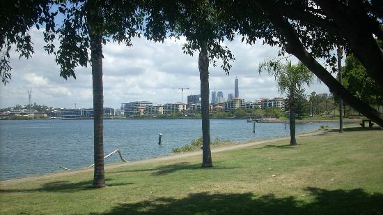 Kingsford Riverside Inn: Great views and so close to the city!