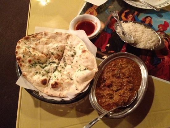 Delhi Palace : lamb naan rice