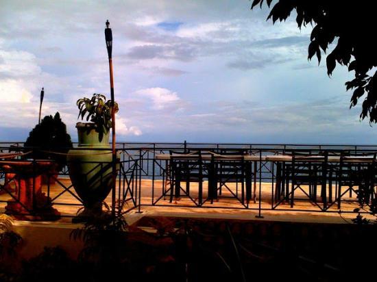 HunaHuna Resort: rooftop