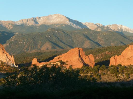‪جاردين أوف ذا جودز كلوب آند ريزورت: Garden of the Gods and Pike's Peak‬