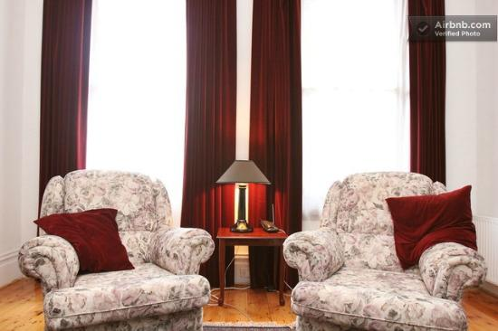 Clement House: Lounge