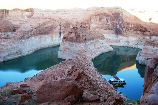 Lake Powell: Fifty Mile Canyon