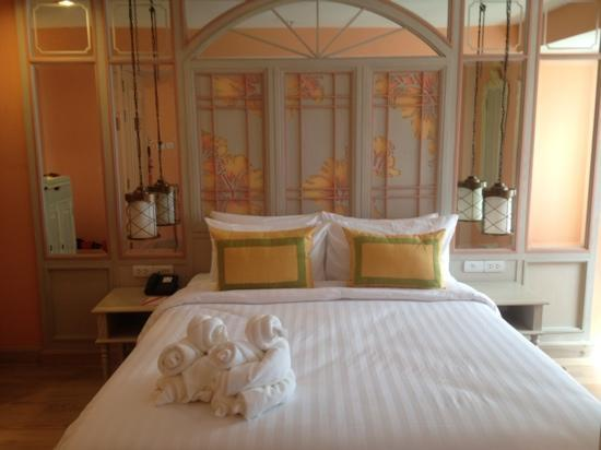 Salil Hotel Sukhumvit Soi 11 : superior room, with a remarkable attention to detail.