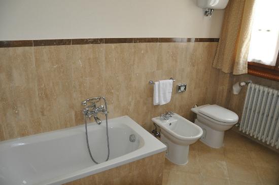 Villa Poggiano : Bathroom