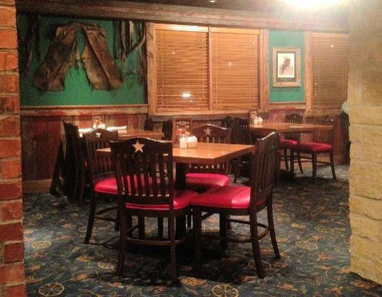 Saltgrass Steak House: Side dining room - Saltgrass Steakhouse in south Oklahoma City