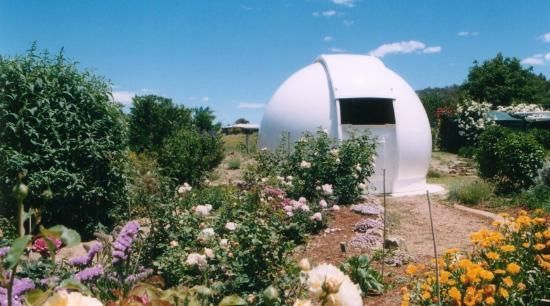 Twinstar Guesthouse & Observatory: 4.5m fibreglass dome