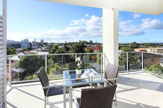 PA Apartments: Upper balcony