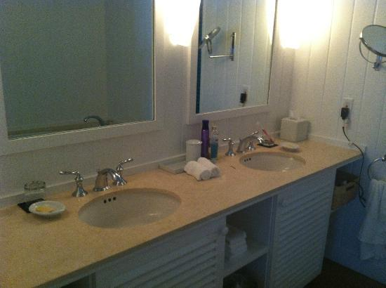 Parrot Cay by COMO: Our bathroom