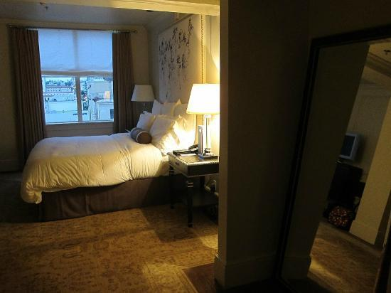 The US Grant: Spacious bedroom.