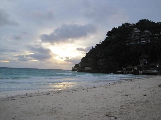 Artista Beach Villas: sunset