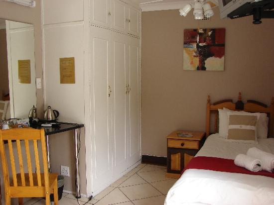 Brebner House: Room 6
