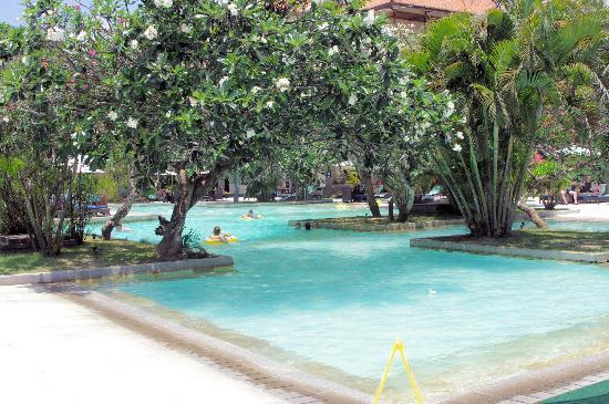 Peninsula Beach Resort Tanjung Benoa: View of swimming pool (640 sqm)