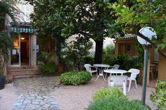 Hotel Les Palmiers: La réception