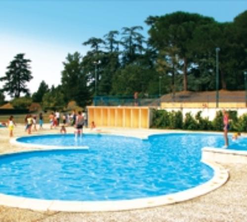 Residence Le Chateau d'Allot : un bassin pour enfant