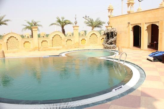 Chokhi dhani the palace hotel jaisalmer rajasthan - Jaisalmer hotels with swimming pool ...