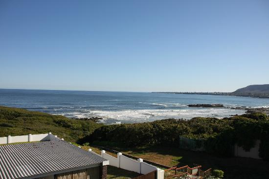 Hermanus Beach Villa: View of the Atlantic ocean from the room