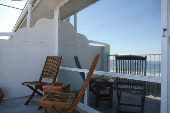 Hermanus Beach Villa: Balcony