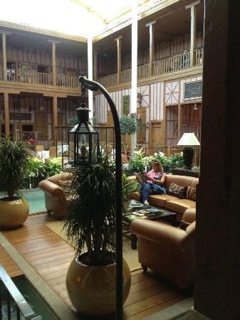Divan Cukurhan: lobby