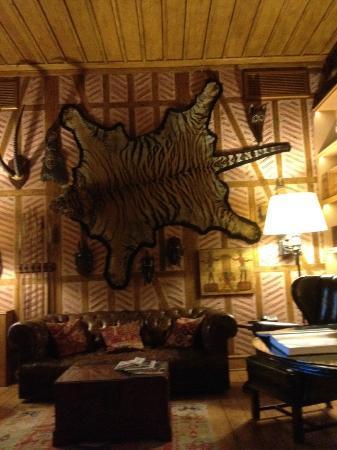 Divan Cukurhan: reception hunting lodge