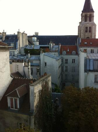 Hotel des Marronniers : A view from my room