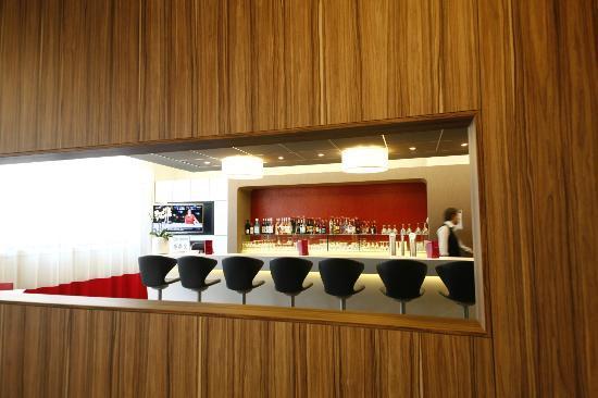 Mercure Valenciennes Centre Hotel: bar