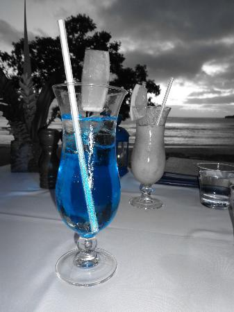Eratap Beach Resort: Cocktails at the restaurant