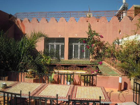 Riad El Ma: a view of the terrace