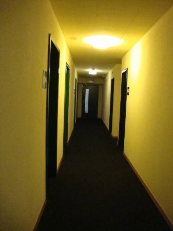 St. Moritz Youth Hostel: the corridors