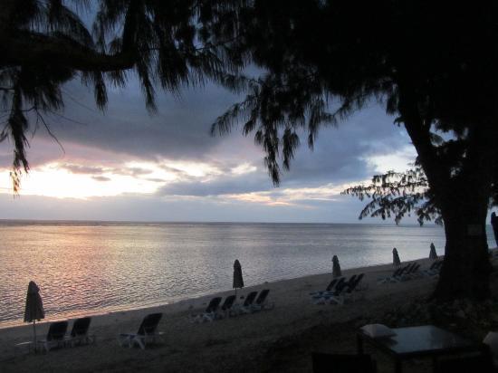LUX* Saint Gilles: La spiaggia