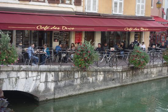 Cafe des Ducs