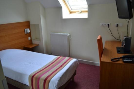 Hotel De Paris Dijon : 室内写真
