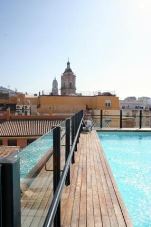 Vincci Seleccion Posada del Patio: Het zwembad op het dakterras
